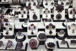 Szukamy fantastycznej biżuterii dla własnej małżonki